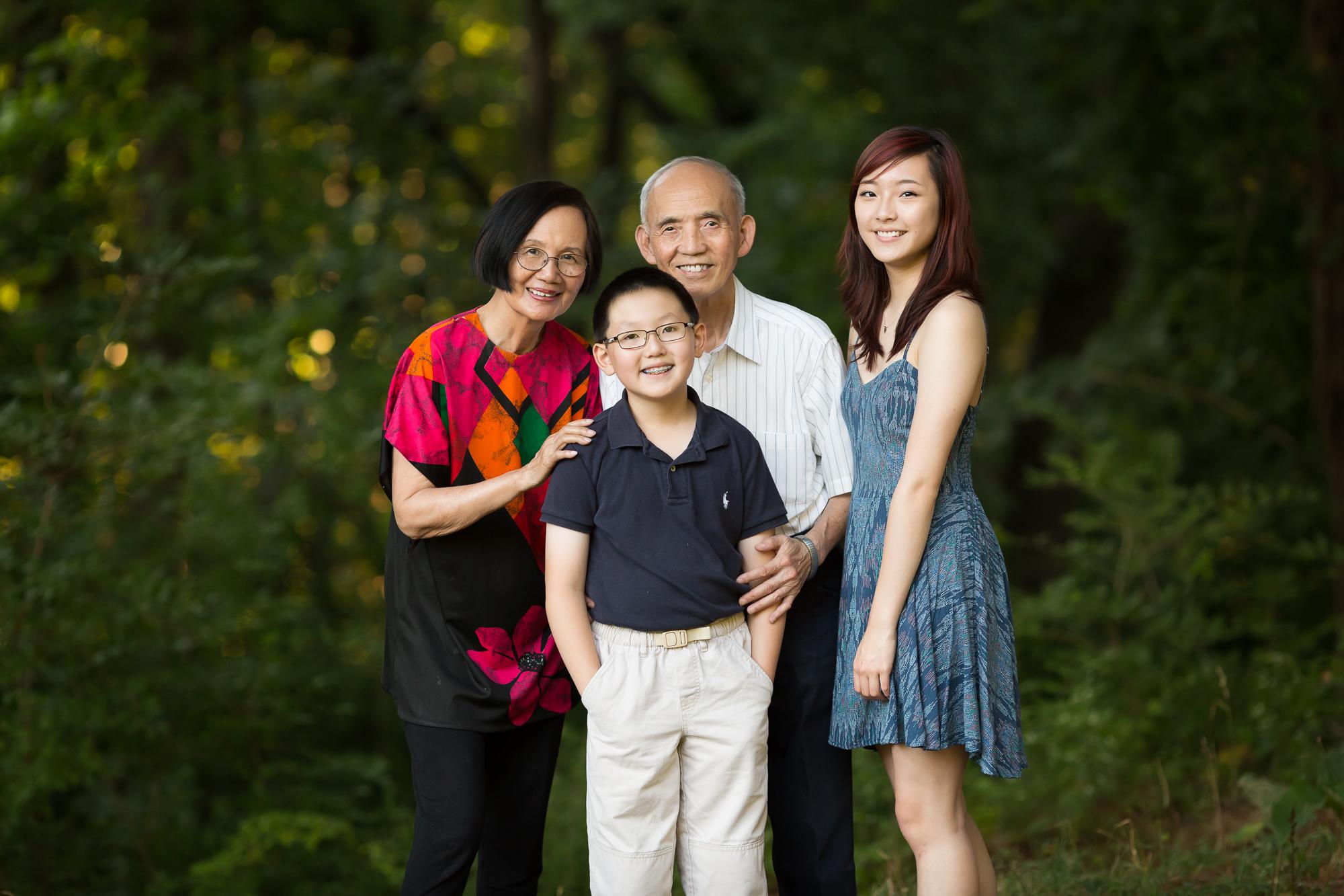 Ann Arbor extended family photographer