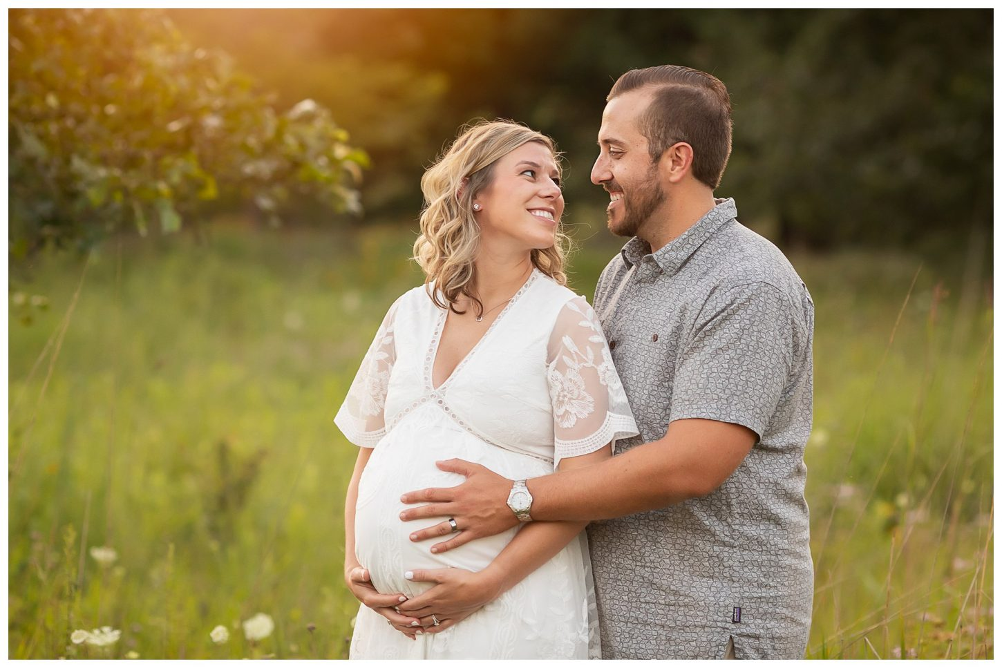 summer maternity session in Ann Arbor